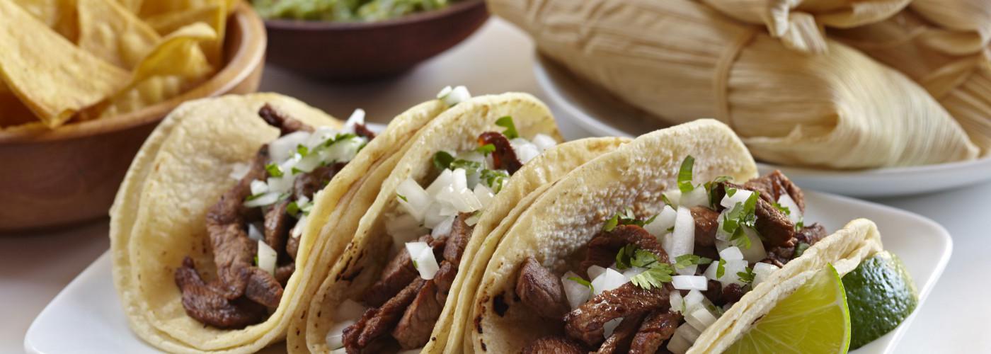 用海岸包装产品制成的墨西哥食品